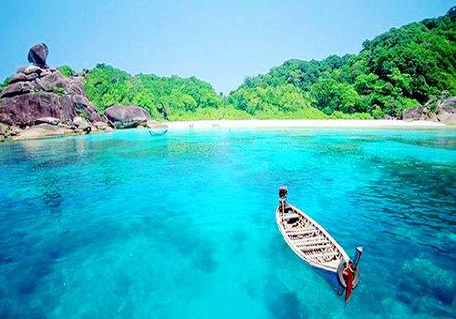 """苏梅岛位于泰国湾,泰语的意思是""""自由之地"""",海水清,风情浓"""