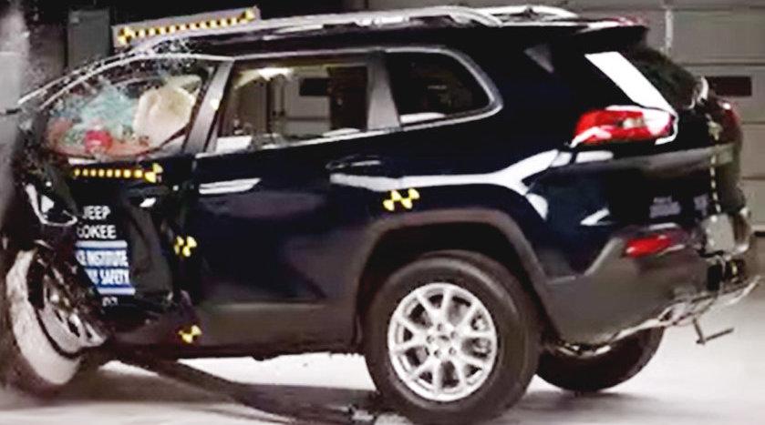 视频:颠覆印象!JEEP家用SUV自由光碰撞视频出炉!
