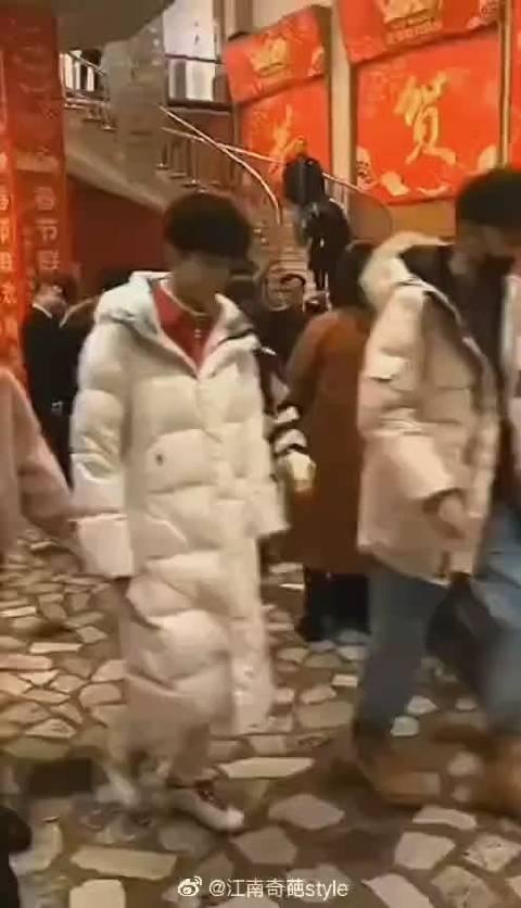 王俊凯王源易烊千玺春晚联排同框!期待你们春晚舞台