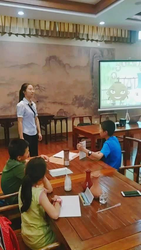 小艺课堂开课啦,官窑博物馆导览开始啦,什么是陶什么是瓷?