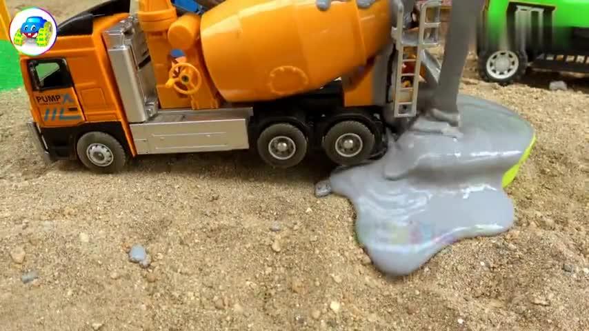 玩具计划汽车工程车施工,消防车洗搅拌车,婴幼儿宝宝游戏视频