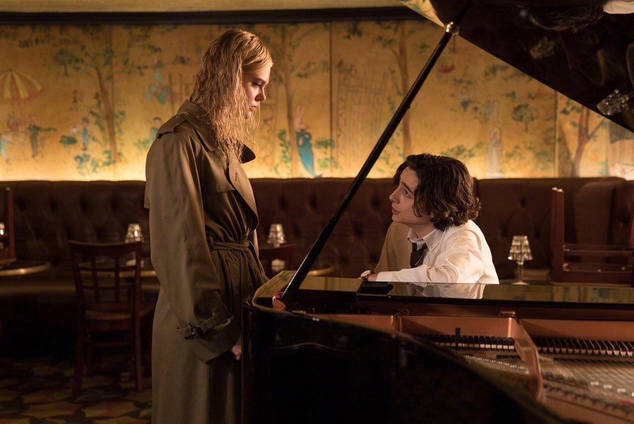 蒂莫西·柴勒梅德、艾丽·范宁、赛琳娜·戈麦斯出演的《纽约的第一个雨