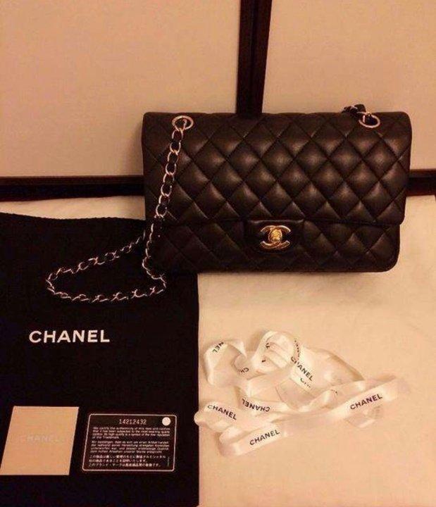 很多90后女生奋斗一年,就为了年底买个Chanel包包