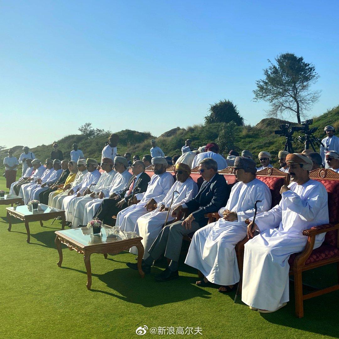 开幕式,阿曼交通部长Dr Ahmed Mohammed Al Futaisi 等官员出席。