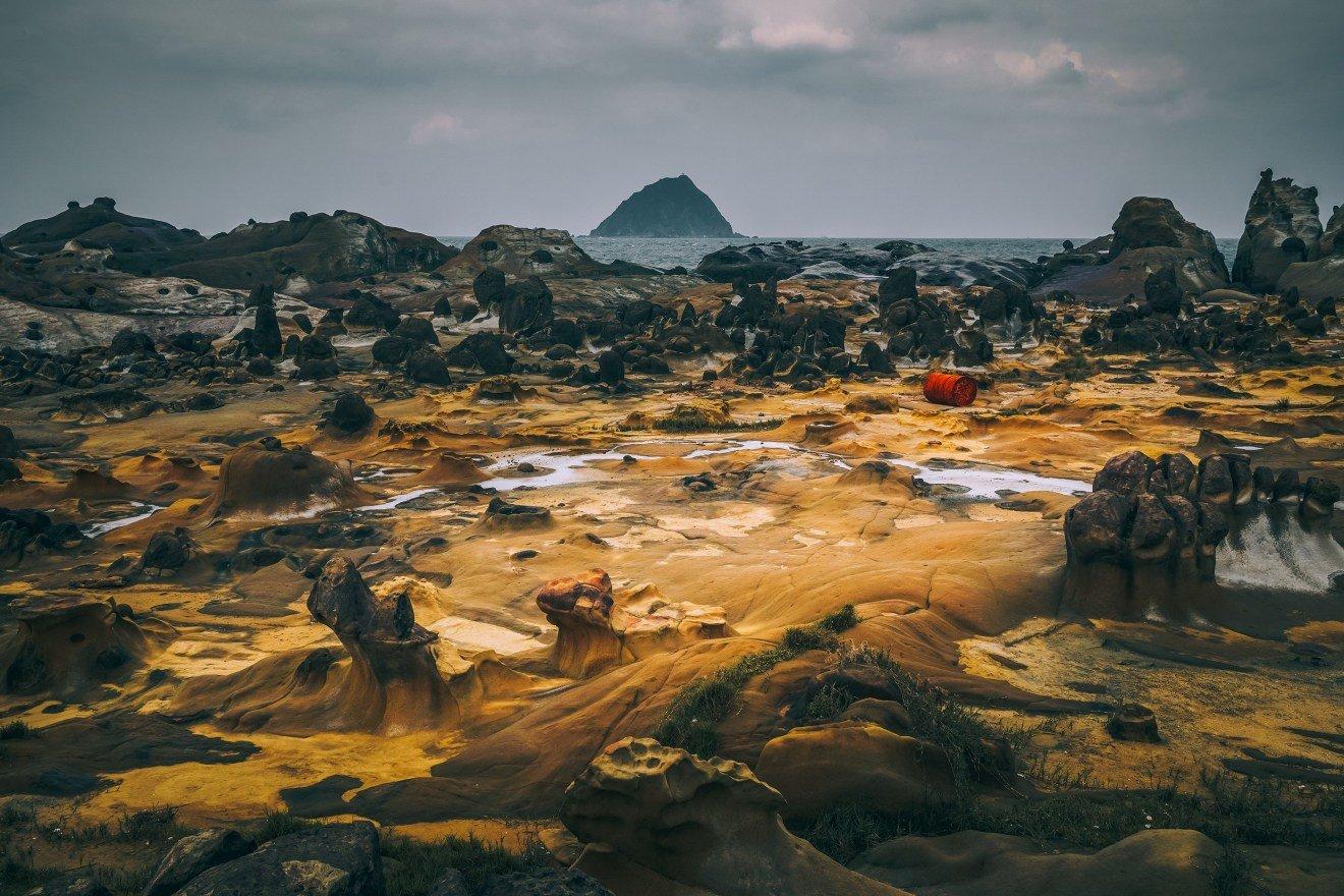 台湾野柳地质公园引人注目的景观波兰艺术总监、摄影师及平面设计师