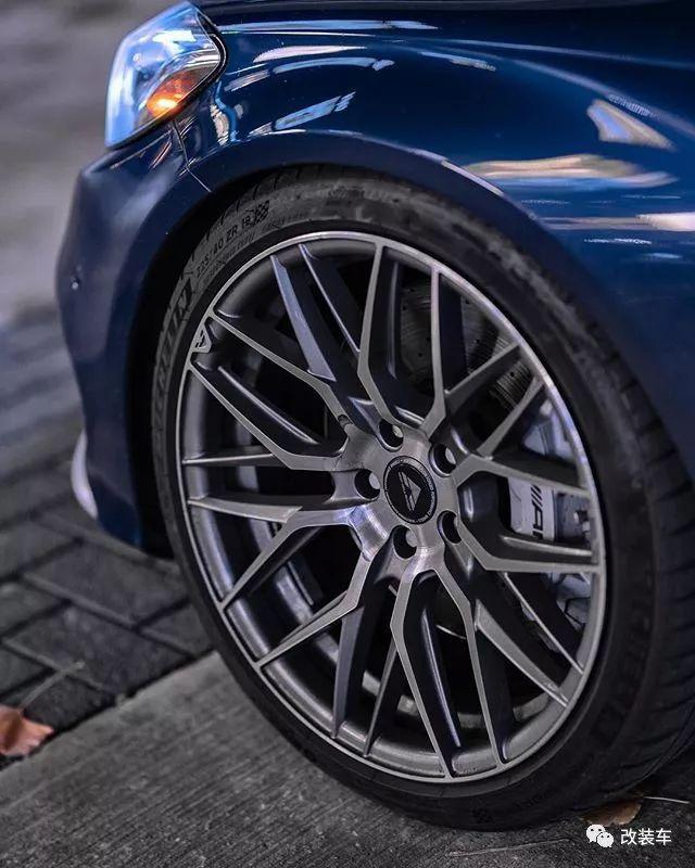 入门级别梅赛德斯-AMG C43改装案例,你会选择低趴还是竞技?