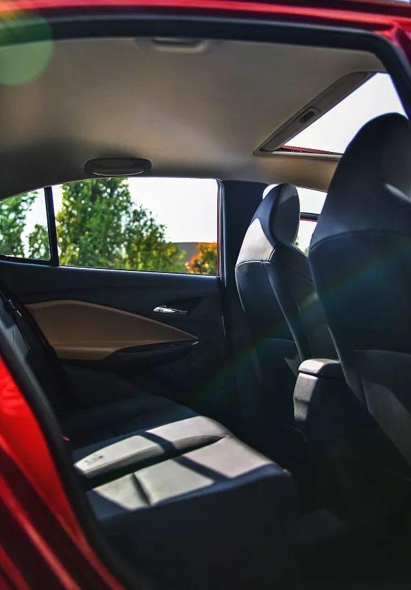 试驾雪佛兰新科沃兹Redline,百公里油耗4.6L,操控强调运动