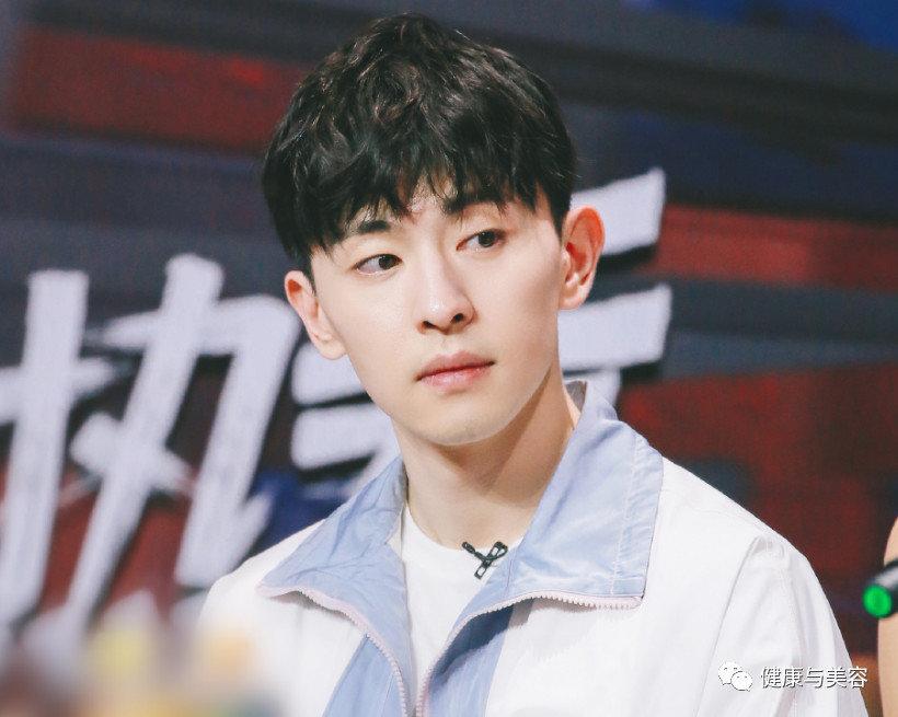 中国不流行双眼皮了?单眼皮男星一个比一个红!