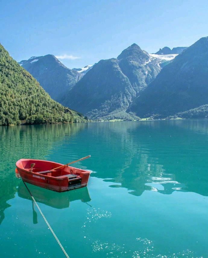 挪威的水清澈见底