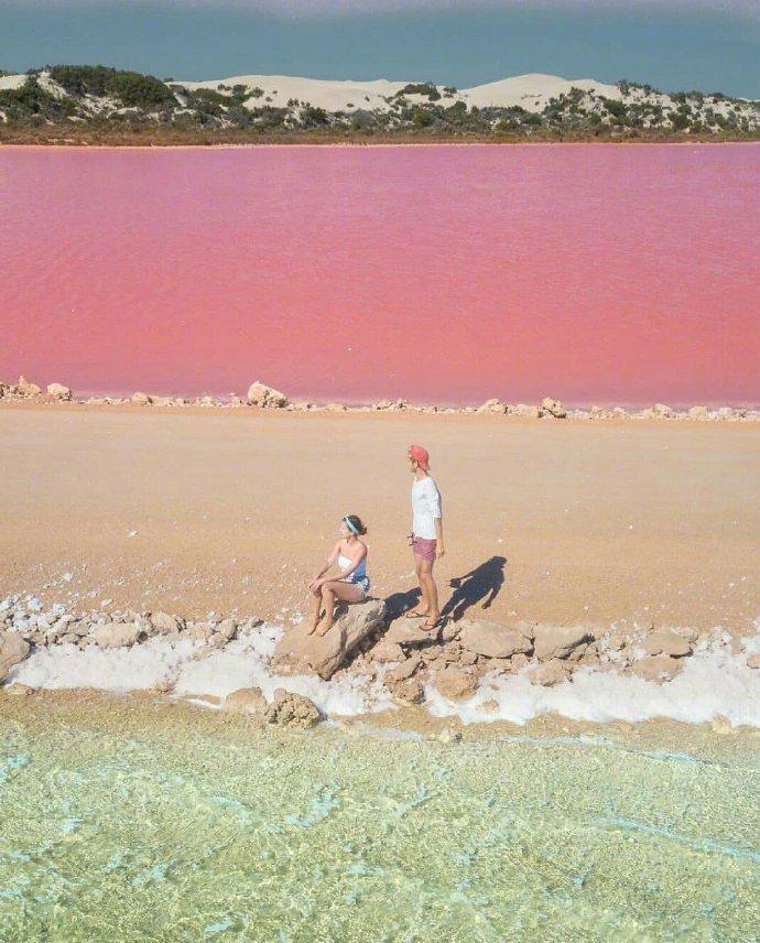 麦克唐纳尔湖丨就像切开的彩虹蛋糕