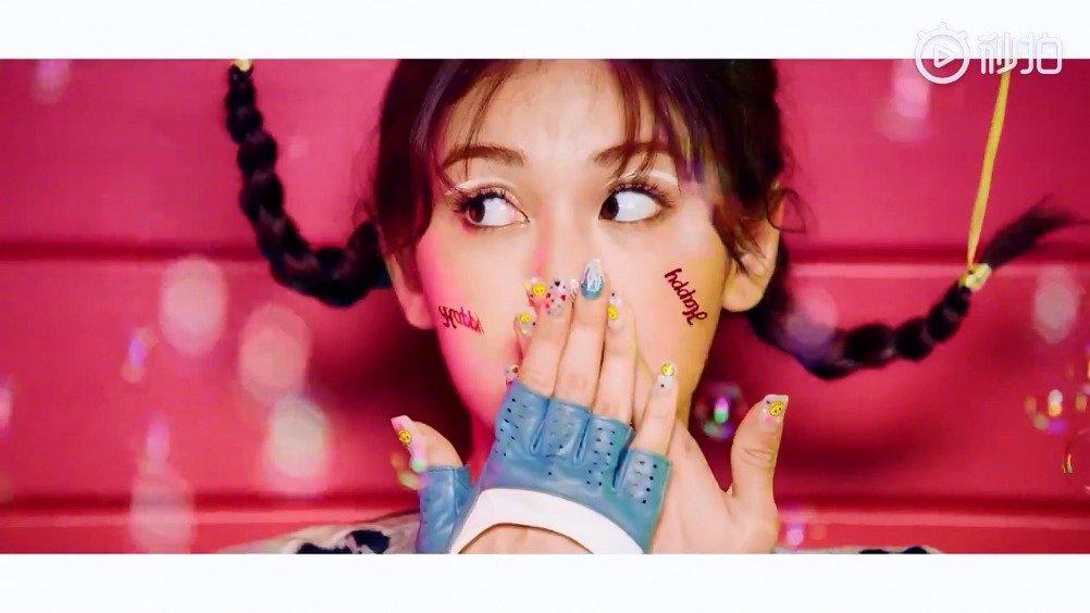 曾在韩国《Produce101》获得冠军的Somi全昭弥出道单曲《BIRTHDAY》预