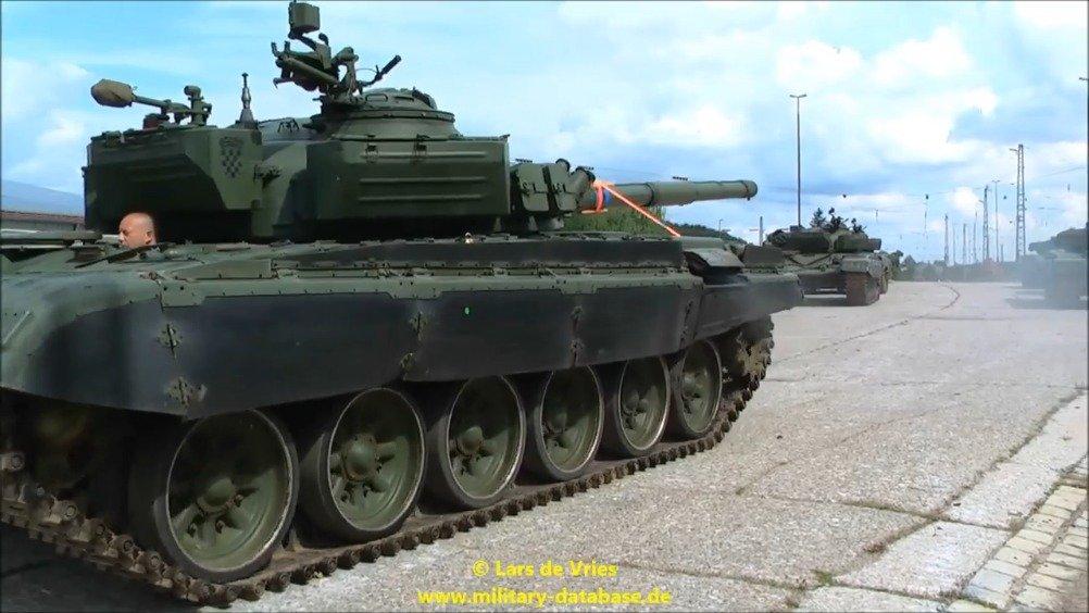 克罗地亚M84(前南斯拉夫仿制T72)主战坦克。1991年南斯拉夫解体
