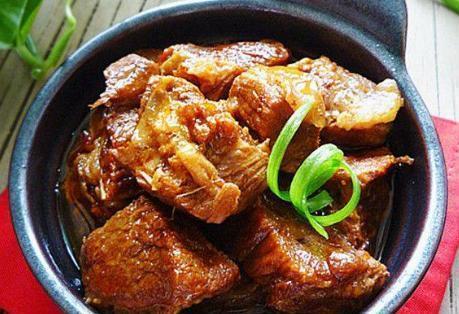 """不管炖牛肉羊肉,""""最忌""""放这2味调料,否则腥味越炖越重口感差"""