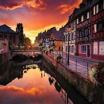 法国最美的童话小镇埃吉谢姆,感受下吧,真的好美!