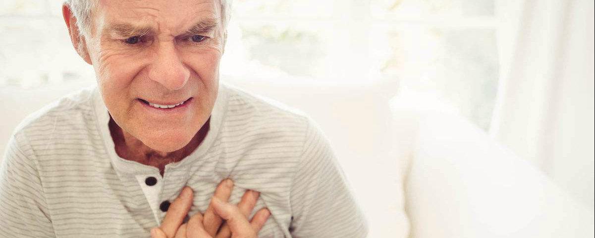胸部一旦出现以下三个信号,最好去体检一下,癌症可能已经来临