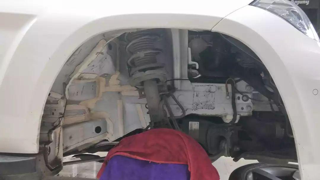 奔驰GLK260都要改的汽车隔音,你还在等什么?