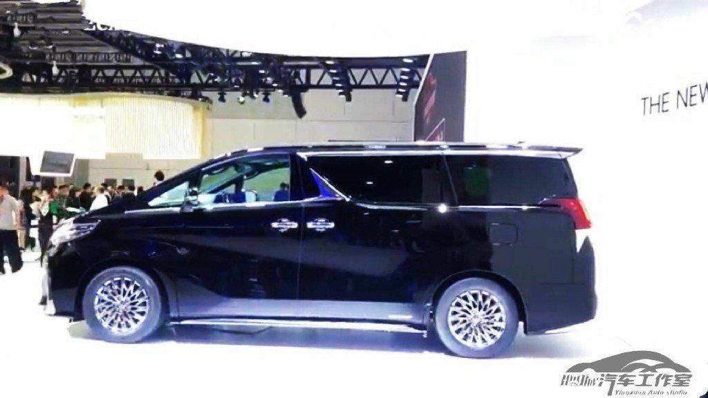 顾客:加价50万可以提车吗?销售员:雷克萨斯LM没那么优惠!