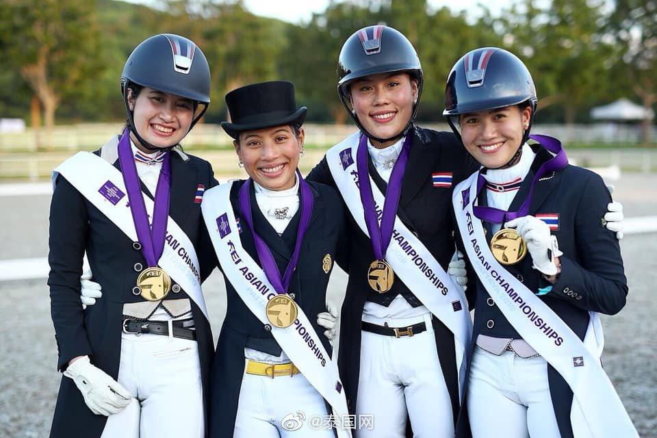 泰思蕊公主FEI亚洲马术锦标赛中摘得团体赛冠军