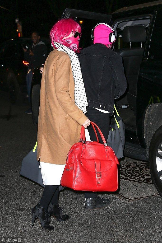 泰勒·斯威夫特 和男友乔·阿尔文 纽约外出P.S