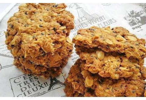 家人朋友最爱吃的饼干,酥酥脆脆,香味十足,每次做好总能吃十个
