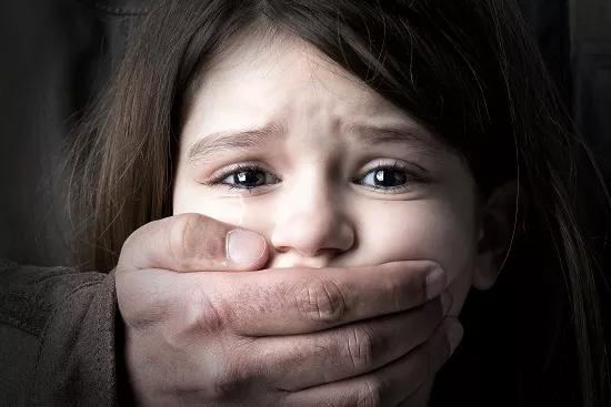 最好的保护,来源于自身,教女儿如何保护自己,是家长的重要责任