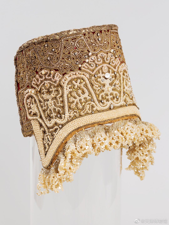 十九世纪上半叶  基卡 (音译)——俄罗斯人已婚妇女节日头饰高度15