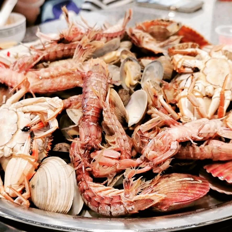 开海的季节肥美的海鲜。皮皮虾都被仙姐吃了
