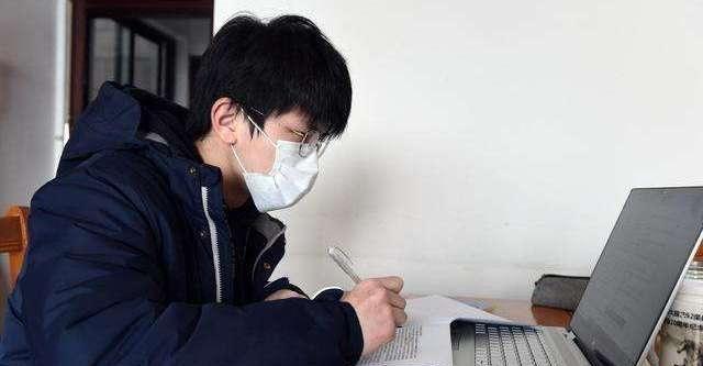 寒门学子寒假真拼!为了高考考上浙江大学,河南娃爬房顶蹭网