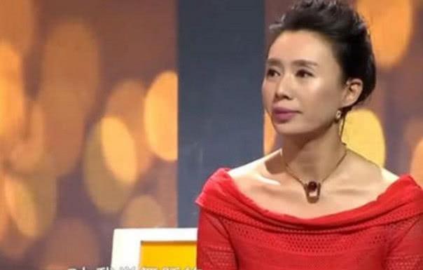 30岁女儿被妈妈禁止恋爱,涂磊:你娃漂亮吗?女儿上场后全场炸了