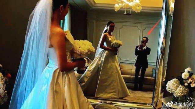 权志龙参加姐姐婚礼晒照,后台为新娘拍照画面温馨