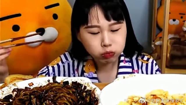 大胃王:韩国大妹子吃播一大盆炸酱面!感觉这口味有点重!