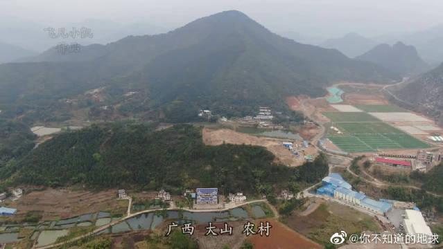 广西山村里的这些豪宅,如果建造这样的房子想必需要好几十万吧