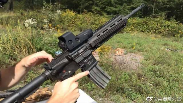 HK416是由黑克勒-科赫以HK G36突击步枪的气动系统在M4卡宾枪的设计上