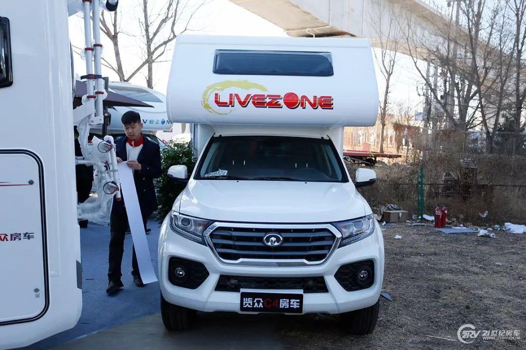 不到10万自行式房车 北京房车展30万以内9款车型盘点