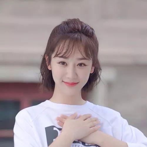 关晓彤杨紫甜美可爱范,你更喜欢哪一位的穿搭风格呢?