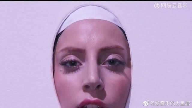 Lady Gaga创意表演现场,短短几分钟换了好几个造型!