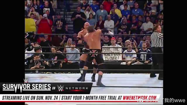 WWE高柏单挑HHH,兰迪和巴蒂斯塔想偷袭,结果被高柏全部放倒!