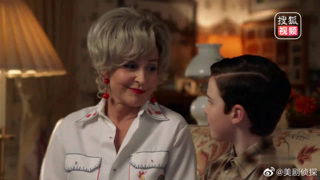 姥姥哄孩子的方式有点特别,让小谢尔顿感受到了从未有过的信任感