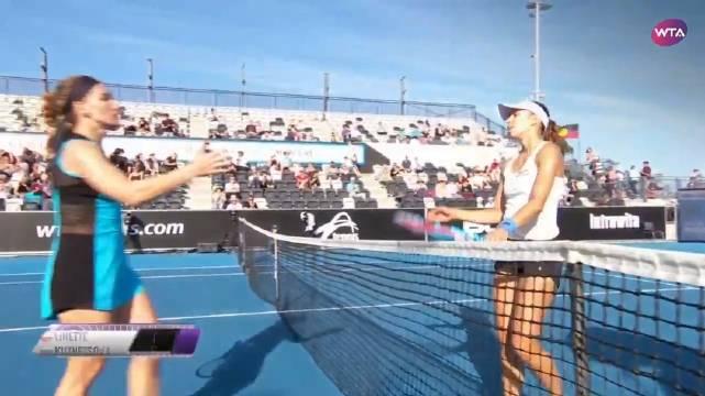 WTA霍巴特站首轮,俄罗斯名将库兹涅佐娃激战双抢七