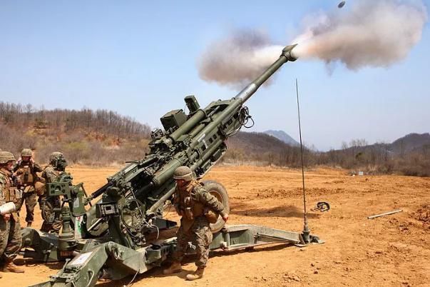 咖喱味超轻型牵引榴弹炮,印度版的M777,专家:仍然是高仿A货