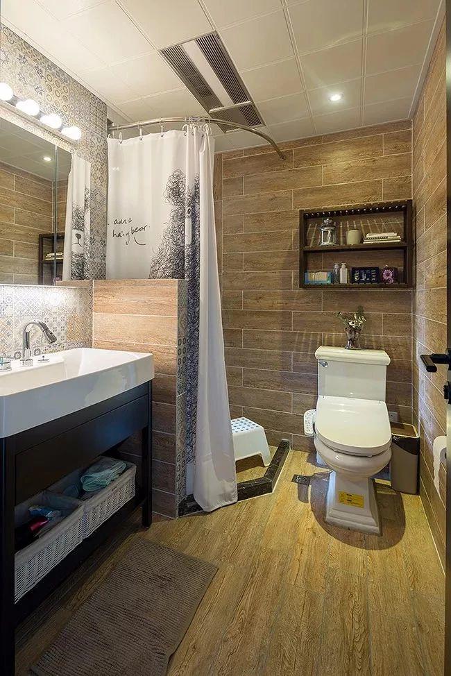 小卫生间挂浴帘,简单实用还美观