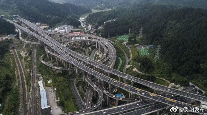 市区道路总长1458.8公里,贵阳城市路网日趋完善