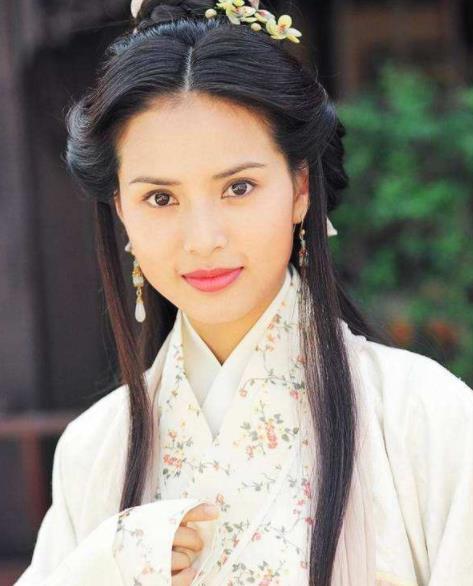 李若彤自曝不喜欢王语嫣,暗指感情中和她一样很傻很天真