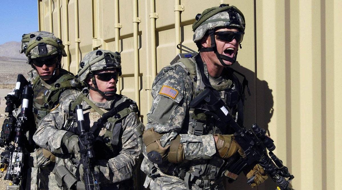 大爆炸干掉了车上所有士兵,美军再次遭遇袭击,现场已被重兵封锁