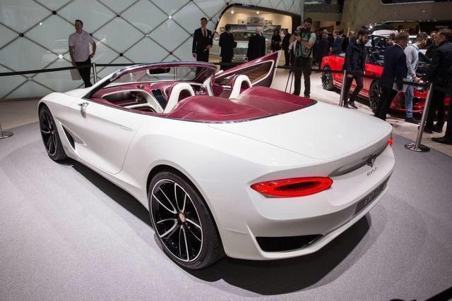 豪华概念车,科技感爆棚,这设计用开飞机来形容会更加贴切
