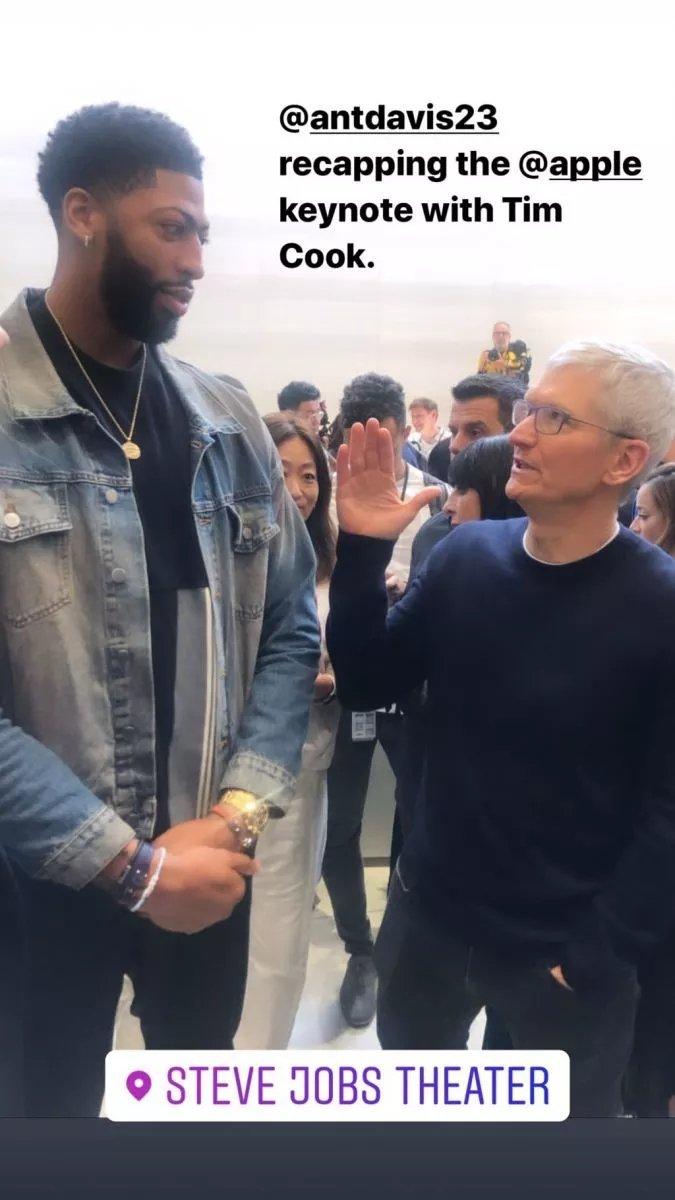 湖人队安东尼-戴维斯:很荣幸能够出席苹果发布会并见到蒂姆-库克