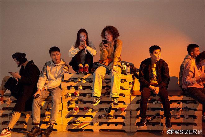 Vans 携手中国当代艺术家赵赵在北京今日美术馆举办鼠年系列联名特展
