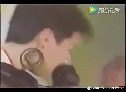 邓丽君生前日文版《我只在乎你》失恋后一头秀发剪成了短发