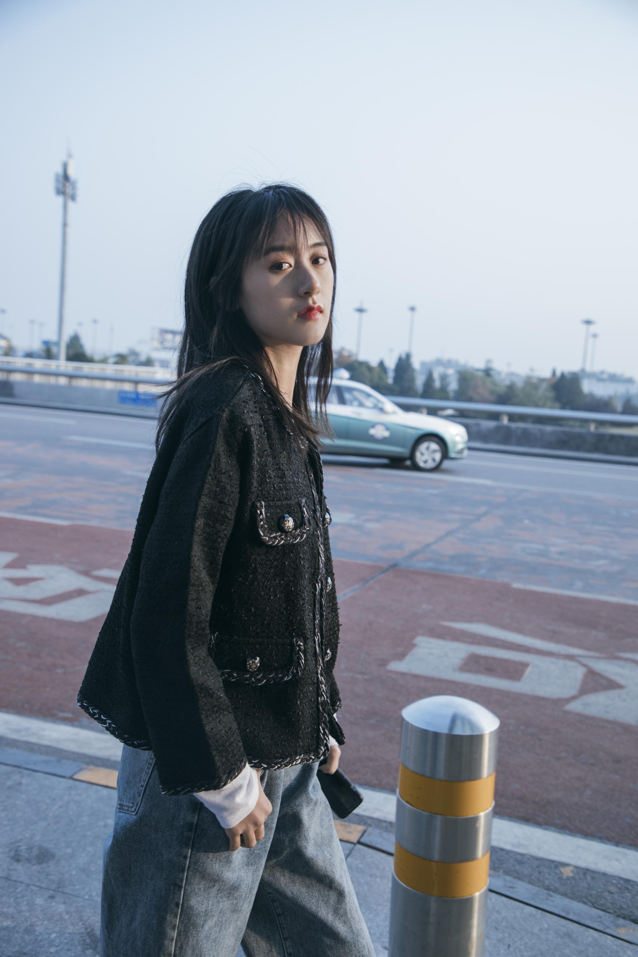 @袁冰妍 最新机场路透来了