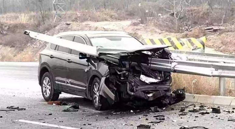 开轿车安全还是SUV安全?数据来说:横看竖看车祸死亡率都差一半